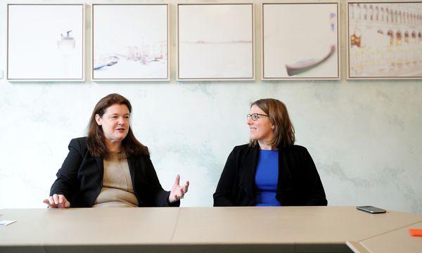 Birgit Vogt und Katharina Körber. / Bild: (c) Die Presse (Clemens Fabry)