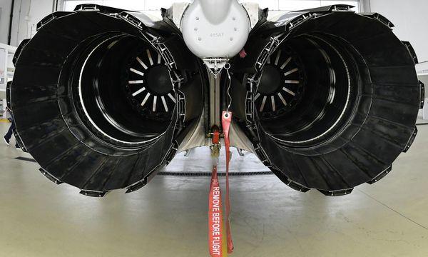 Triebwerke eines Eurofighters des österreichischen Bundesheeres / Bild: APA/HARALD SCHNEIDER
