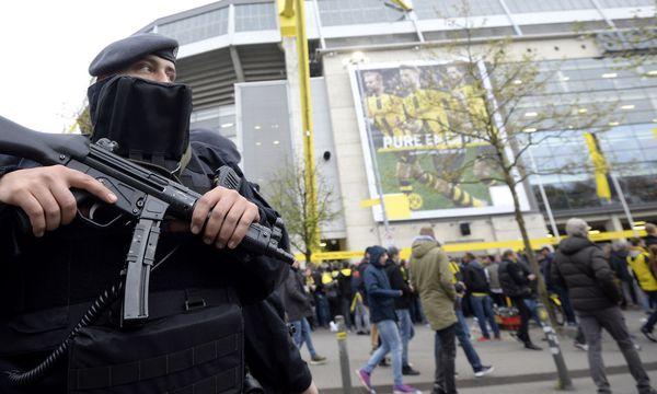 Sicherheitsmaßnahmen bei Sportereignissen / Bild: APA/AFP/SASCHA SCHUERMANN