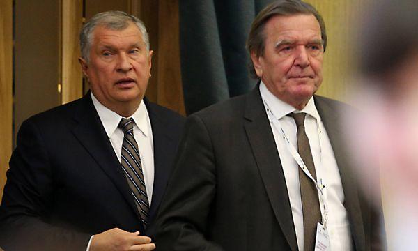 Igor Setschin und Gerhard Schröder.  / Bild: (c) imago/ITAR-TASS (Peter Kovalev)