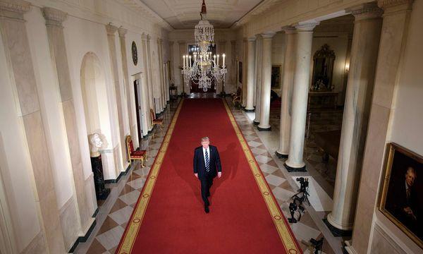 Präsident Trump inszenierte am Dienstagabend die Ankündigung von Neil Gorsuchs Nominierung wie eine TV-Show.  / Bild: (c) APA/AFP/BRENDAN SMIALOWSKI