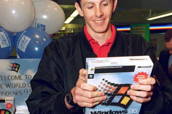 1995 wurde der glückliche erste Käufer des neuen Windows noch medial gefeiert. / Bild: (c) � STR New / Reuters
