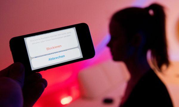 Symbolbild: Cybermobbing / Bild: (c) APA/dpa/Julian Stratenschulte