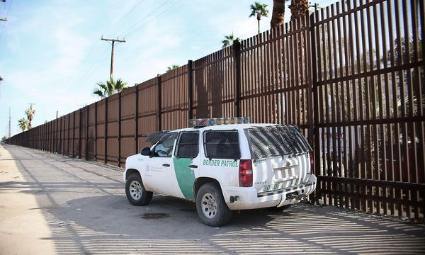Eine Polizeistrefe an der Grenze zu Mexiko. / Bild: APA/AFP/SANDY HUFFAKER