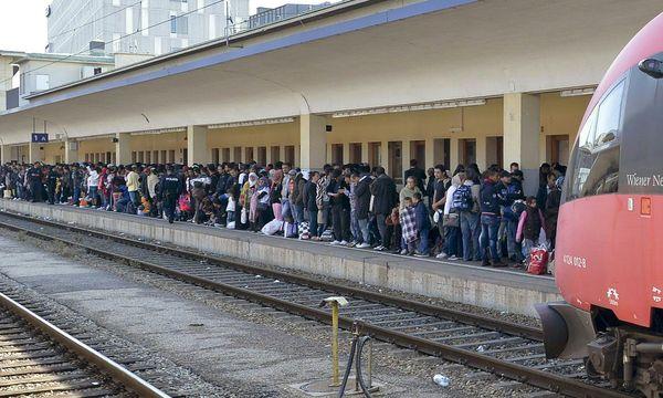 Flüchtlingsankunft am Wiener Westbahnhof.  / Bild: (c) APA/HERBERT NEUBAUER (HERBERT NEUBAUER)
