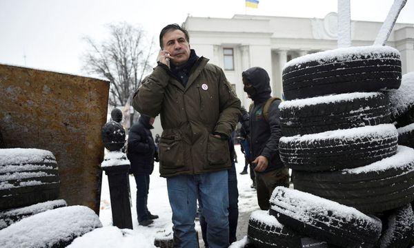 Vor der Festnahme: Saakaschwili vor dem Parlament in Kiew. / Bild: (c) Reuters