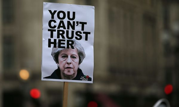 Proteste gegen Theresa May. / Bild: APA/AFP/DANIEL LEAL-OLIVAS