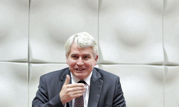 Heinrich Schmidinger, dem Chef der österreichischen Universitätenkonferenz, ist besorgt / Bild: (c) APA/HERBERT NEUBAUER (HERBERT NEUBAUER)