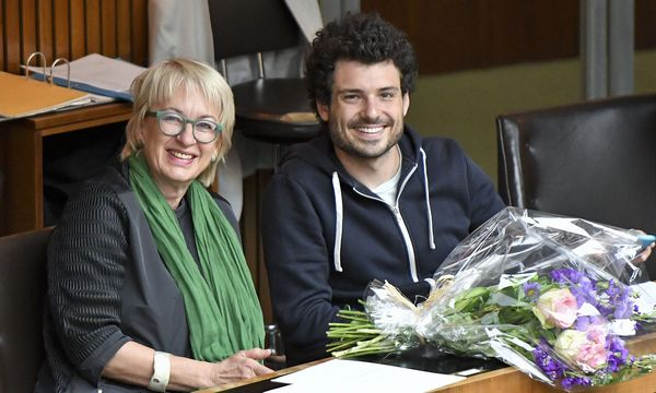 Barbara Neuroth und Julian Schmid / Bild: APA/SARAH KVECH