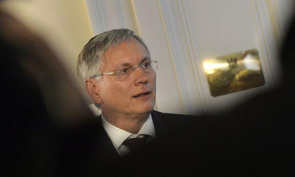Sozialminister Alois Stöger  / Bild: APA/HERBERT PFARRHOFER