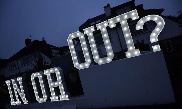 "Wird das Referendumsdrama ""Drinnen oder draußen?"" doch noch prolongiert? / Bild: (c) APA/AFP/GLYN KIRK (GLYN KIRK)"