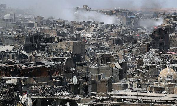 Rauschschwaden über Mossul. / Bild: APA/AFP/AHMAD AL-RUBAYE