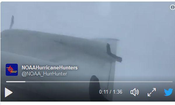 Video vom Flug mit einer Lockheed-Maschinen des Typs WP-3D Orion  / Bild: (c) twitter.com/noaahurrhunter