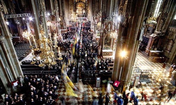 Habsburg: Twitter-User äußern Unmut über Trauerfeier / Bild: Im Stephansdom am Samstag-Nachmittag (c) Reuters (Lisi Niesner)