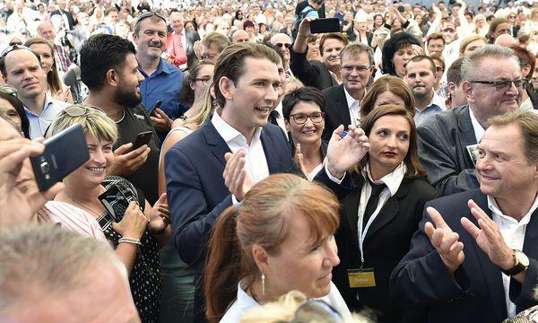 Kurz beim Bundesparteitag der ÖVP, / Bild: APA/HANS PUNZ