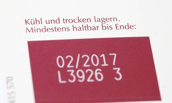 Mindesthaltbarkeitsdatum auf Produkt Mindesthaltbarkeitsdatum auf Produkt / Bild: (c) imago/STPP (imago stock&people)