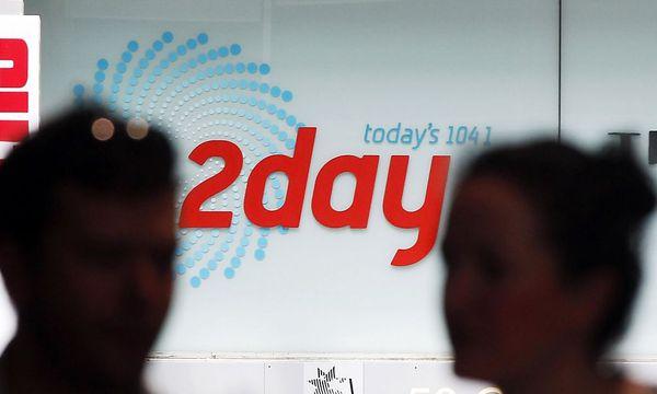 Symbolbild: Ein Logo auf dem Gebäude des Senders 2Day FM. / Bild: REUTERS