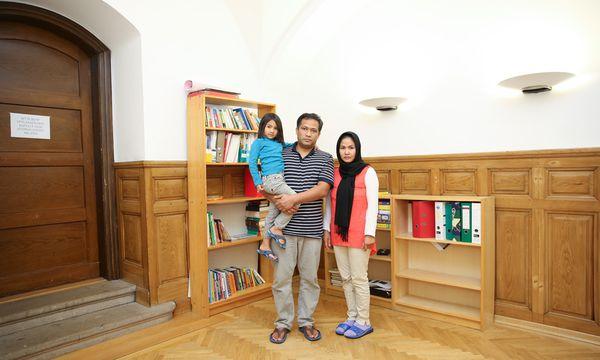 Die Familie Moradi in ihrer Unterkunft im Haus Karwan der Caritas Wien / Bild: (c) Stanislav Jenis