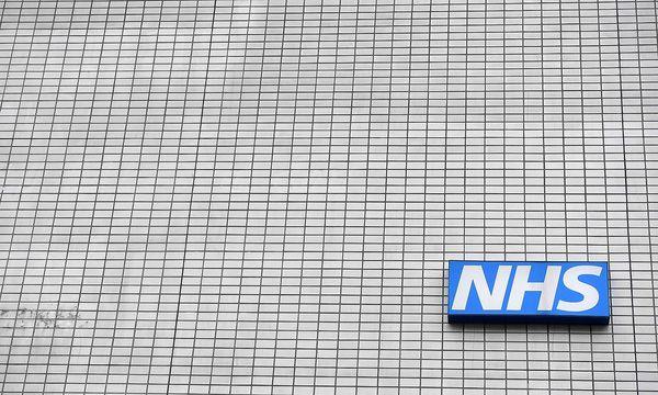 Die Attacke betrifft 16 Spitäler des National Health Service (NHS) in Großbritannien. / Bild: (c) APA/AFP/BEN STANSALL (BEN STANSALL)