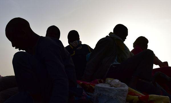93.292 Migranten erreichten seit Jahresbeginn die italienische Küste, das sind 16,7 Prozent mehr als im Vergleichszeitraum des Vorjahres.  / Bild: APA/AFP/ISSOUF SANOGO