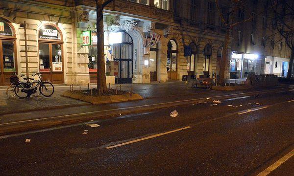 Hier auf der Praterstraße in Wien-Leopoldstadt hat sich die Messer-Attacke ereignet. / Bild: APA/HERBERT PFARRHOFER