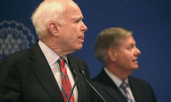 Die republikanischen Senatoren John McCain und Lindsey Graham sind von der diplomatischen Lösung im C-Waffenkonflikt mit Syrien nicht überzeugt. / Bild: (c) REUTERS/Asmaa Waguih