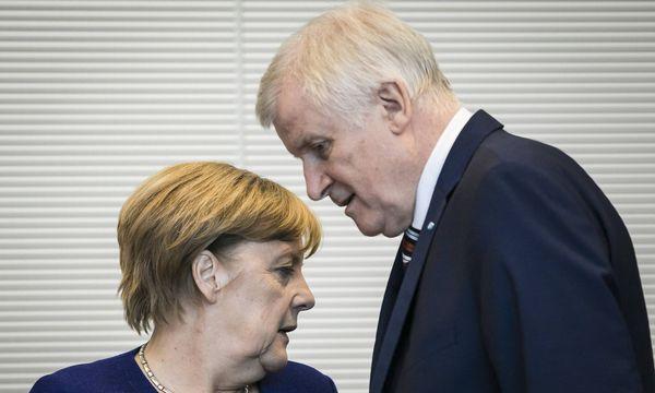 Kanzlerin Angela Merkel (CDU) und CSU-Chef Horst Seehofer / Bild: imago/photothek
