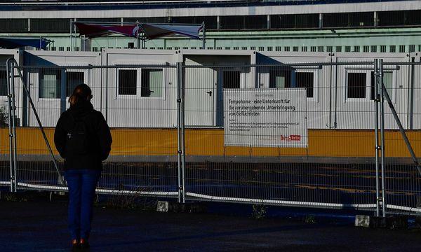 Union und SPD wollen auch den Familiennachzug begrenzen. / Bild: APA/AFP/JOHN MACDOUGALL