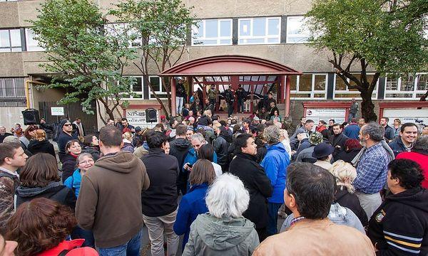 Proteste gegen die Schließung der Zeitung am Montag / Bild: imago/PuzzlePix