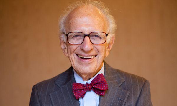 88 – und kein bisschen müde: Nobelpreisträger Eric Kandel. / Bild: (c) Michele Pauty (Michele Pauty)