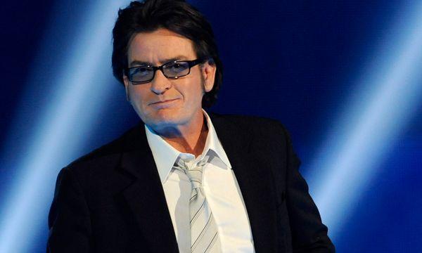 Charlie Sheen half Lindsay Lohan aus Schlamassel  / Bild: AP (Chris Pizzello)