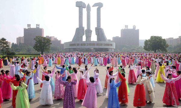 Feierlichkeiten zum 69. Staatsgründungstag in Nordkorea / Bild: APA/AFP/STR