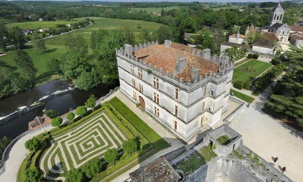 (C) Sebastian Laval  Périgord, reich an Kulturgütern seit Menschengedenken: Château de Bourdeilles.
