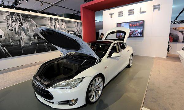 Das Model S  mit  60 kWh-Akku entpuppte sich als Ladenhüter / Bild: (c) AFP (STAN HONDA)