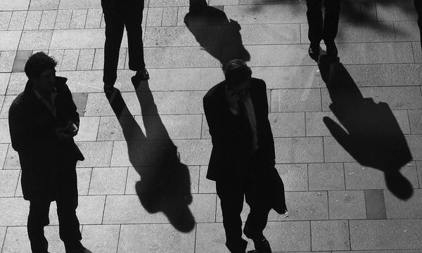 Symbolbild: Schatten  / Bild: (c) REUTERS (DANIEL MUNOZ)