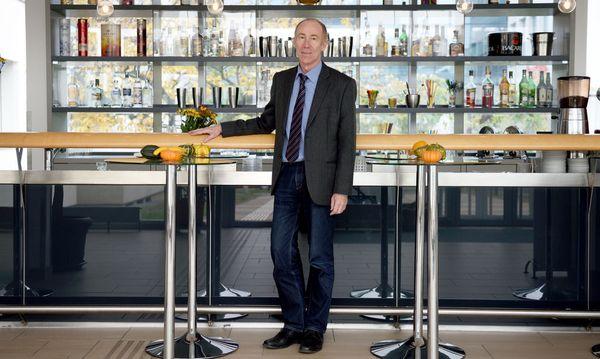 BMHS-Direktor Andreas Hübner sucht sich jetzt schon die meisten Lehrer aus. / Bild: (c) Clemens Fabry