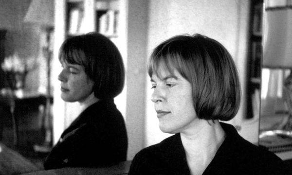 Poetin und Intellektuelle, Journalistin und Unterhaltungsautorin: das vielschichtige, zerrissene Leben der Ingeborg Bachmann. / Bild: (c) ORF (-)