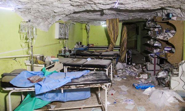 Ein Spitalszimmer in Khan Sheikoun. / Bild: APA/AFP/OMAR HAJ KADOUR