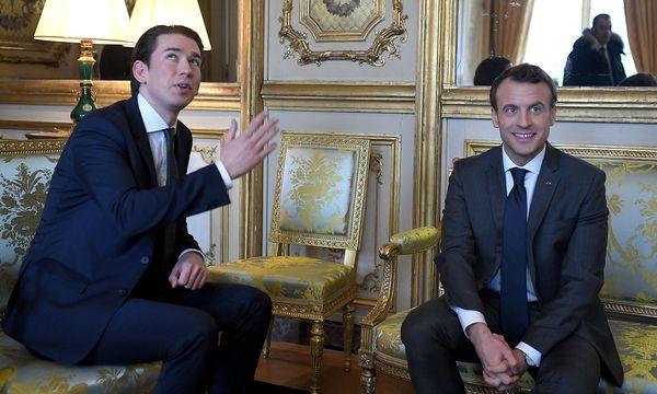 Kurz und Macron im Elysée-Palast. / Bild: APA/ROLAND SCHLAGER