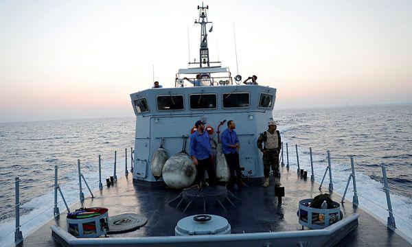 Archivbild eines libyschen Küstenwache-Schiffs. / Bild: REUTERS