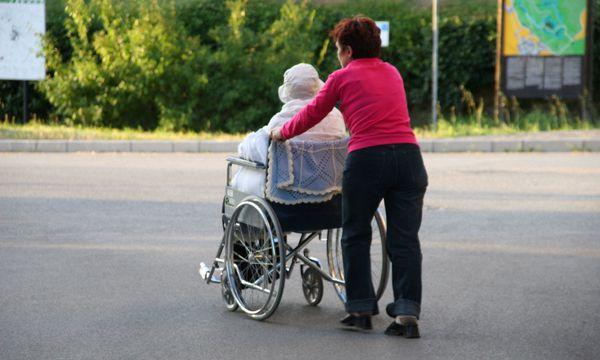 Symbolbild: Pflegekraft / Bild: BilderBox