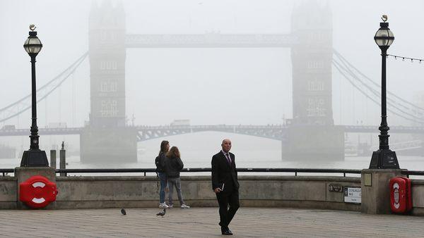 London könnte bei Bedarf zu einem neuen Wirtschaftsmodell wechseln, kündigt die britische Premierministerin May an.  / Bild: (c) REUTERS (SUZANNE PLUNKETT)