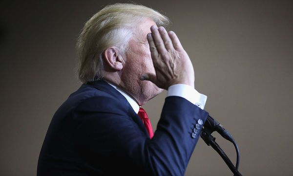 Trump hat politische Gründe für einen Militärschlag. / Bild: APA/AFP/GETTY IMAGES/JOHN MOORE