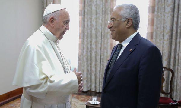 Papst Franziskus und Antonio Costa / Bild: APA/AFP/STF
