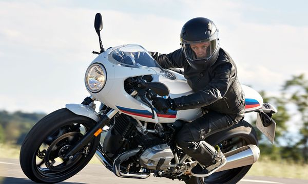 Big Bike mit Retro-Touch: BMW R NineT Racer. / Bild: (c) Werk