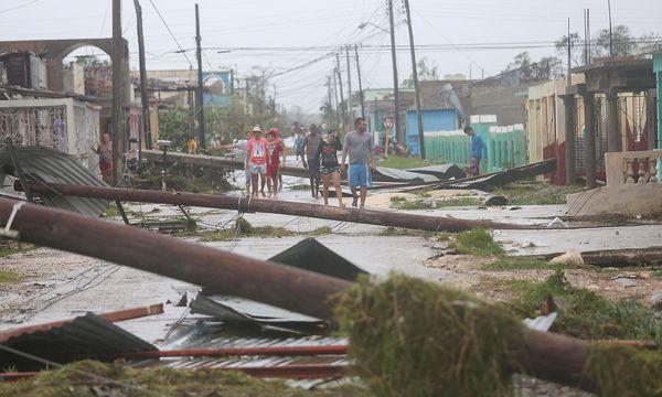 """Eine zerstörte Straße in Caibarien, Kuba, nachdem """"Irma"""" dort wütete / Bild: (c) REUTERS (Alexandre Meneghini)"""