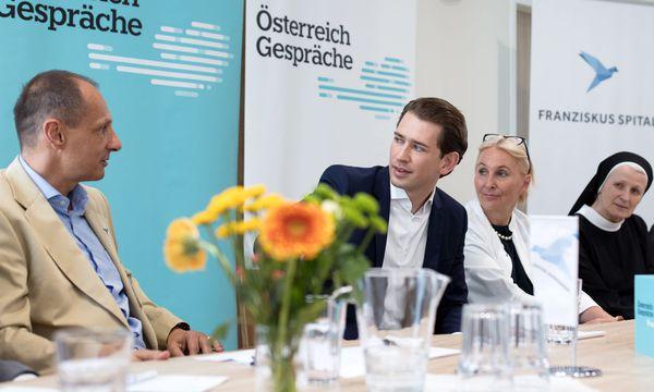 ÖVP-Chef Kurz im Rahmen eines 'Österreich-Gesprächs' zum Thema 'Gesundheit und Pflege' im Franziskus Spital in Wien. / Bild: APA/GEORG HOCHMUTH