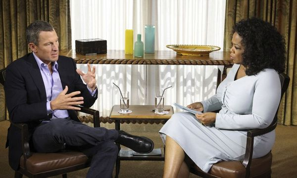 Handout photo of Lance Armstrong speaking with Oprah Winfrey in Austin / Bild: Reuters