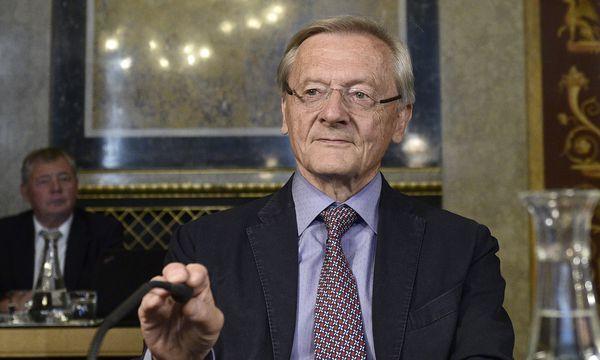 Tag der Ex-Kanzler im Untersuchungsausschuss: Am Dienstag waren der ehemalige ÖVP-Chef Wolfgang Schüssel (im Bild) und Alfred Gusenbauer (SPÖ) ins Parlament geladen. / Bild: (c) APA/HANS PUNZ