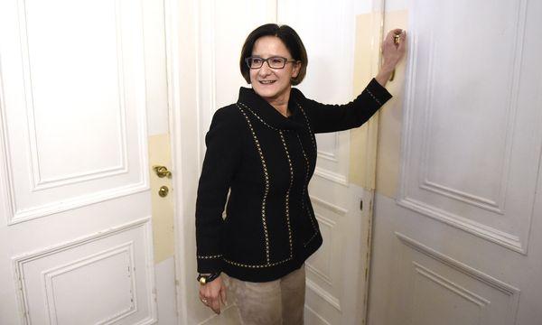 Nach dem Abschied vom Innenministerium im April des Vorjahres hatte Johanna Mikl-Leitner ein Jahr Zeit, sich auf die künftige Rolle als neue niederösterreichische Landeshauptfrau vorzubereiten. / Bild: (c) APA/HELMUT FOHRINGER